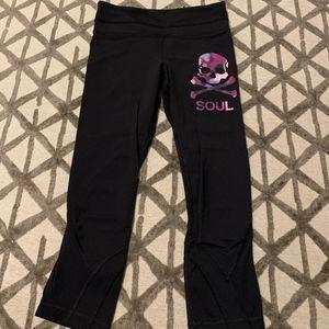 Lululemon cropped leggings - size 4